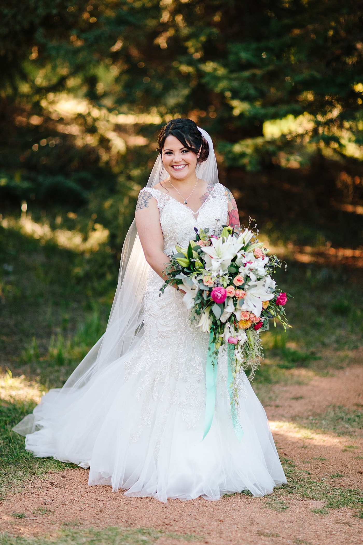 The Best Way To Hold Your Bridal Bouquet Holly Yee Floral Architecture